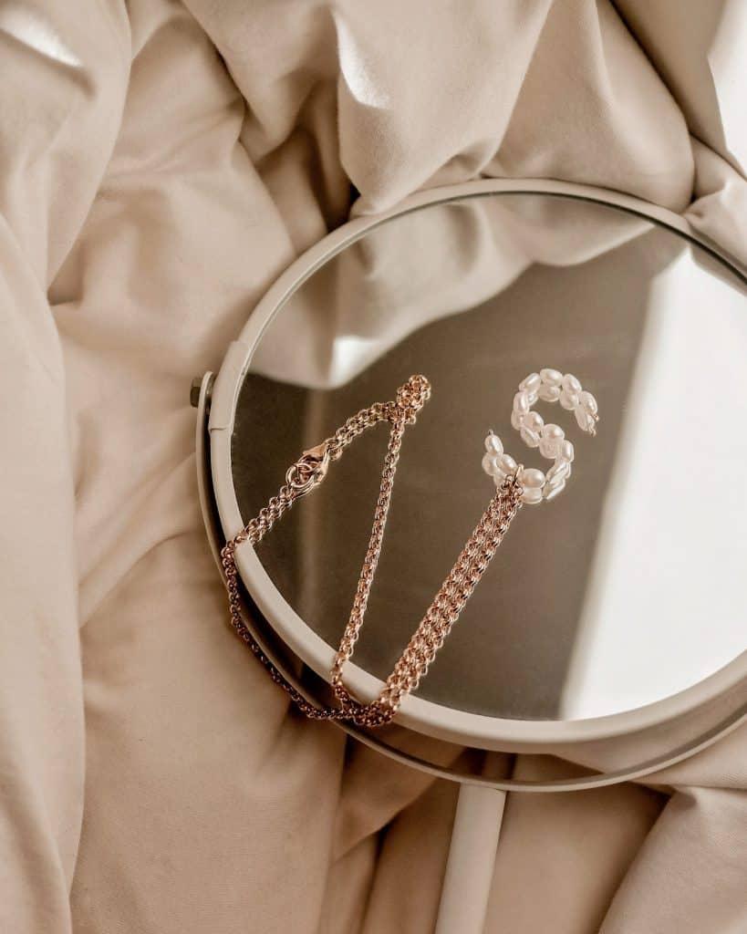 5 מעצבות תכשיטים נגישות שאתן חייבות להכיר