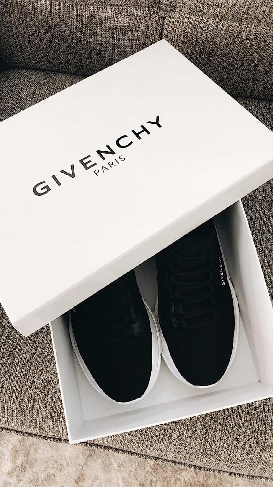 נעליים ג'יבנשי
